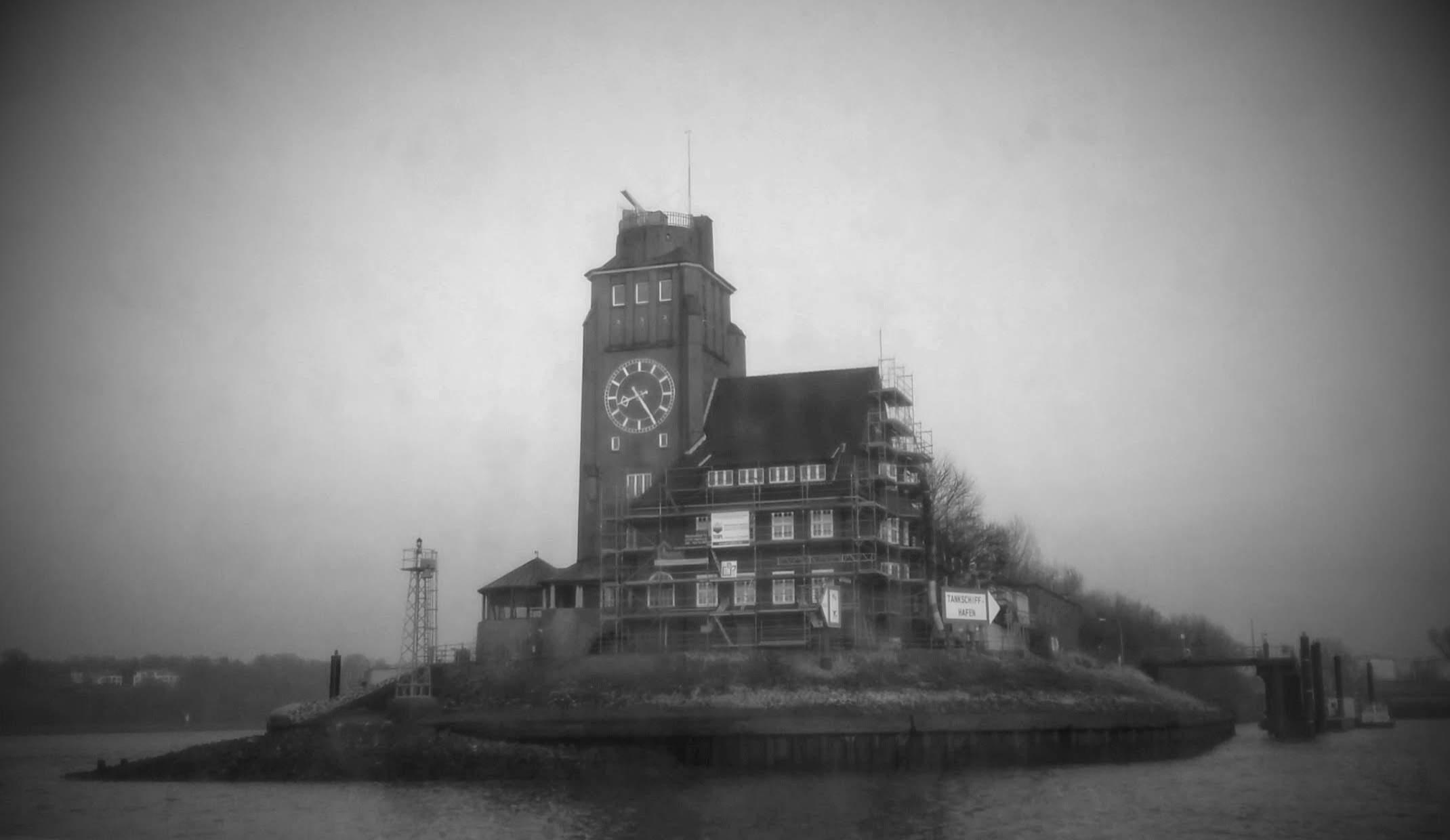 Ein Münchner in Hamburg..   (Foto-Hamburg-Hafen-Tankschiff-Schule-m62)
