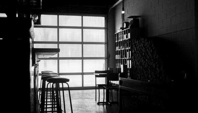 Leere Bar - Alkohol vermissen